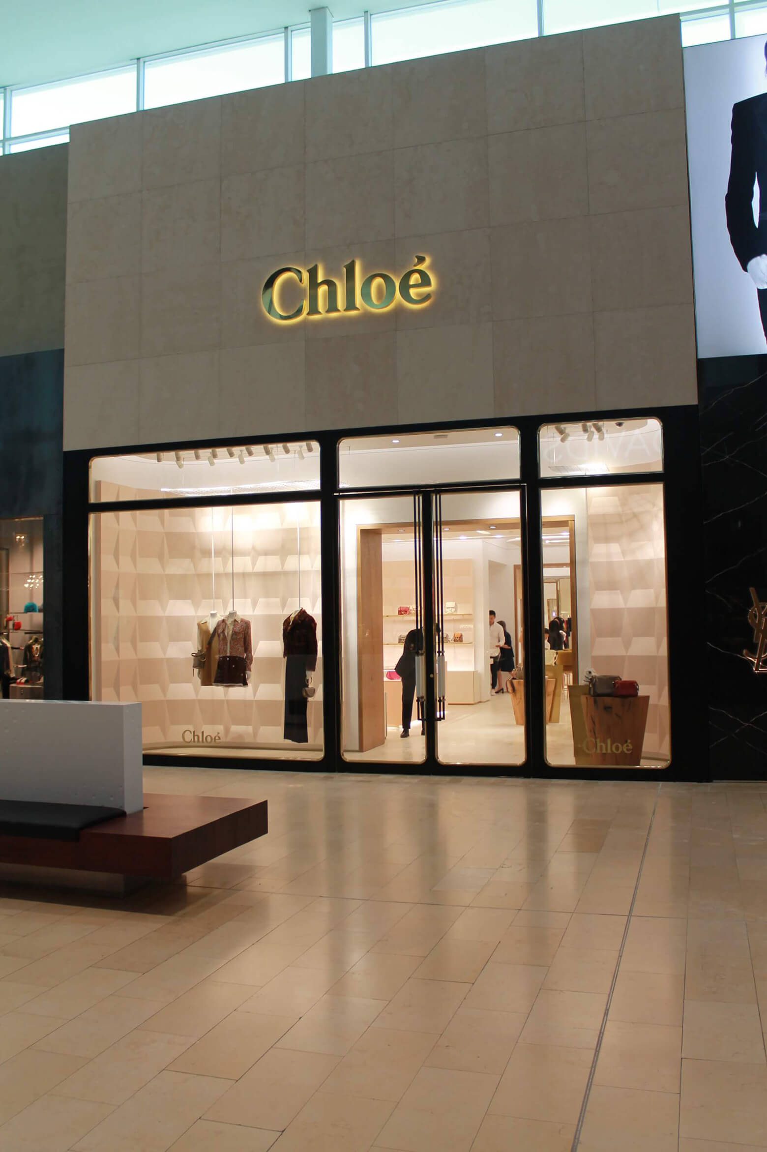 Vergo - Chloe Yorkdale Mall - Façade- Toronto